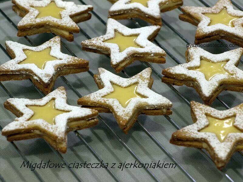Migdałowe ciasteczka z ajerkoniakiem